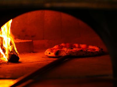 イタリア ナポリの特注薪窯